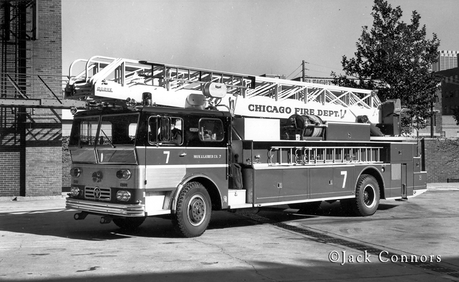 Chicago Fire Department Ward LaFrance Ambassador Grove aerial