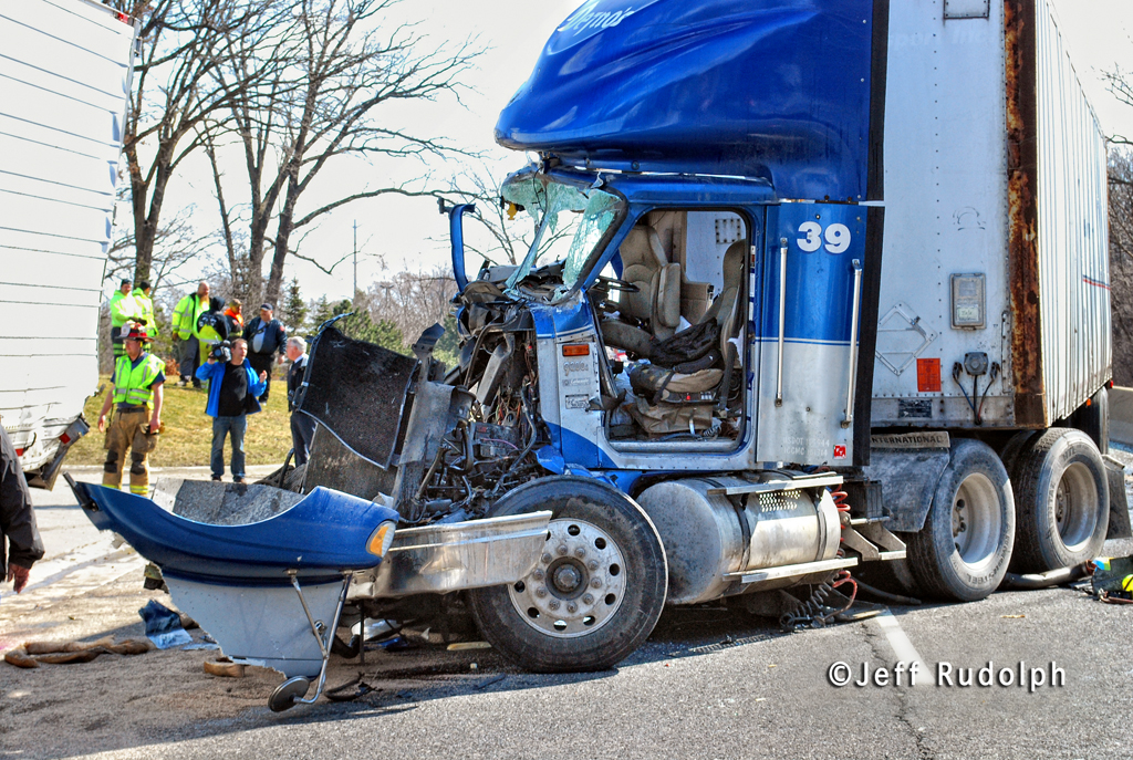 truck crash with trapped driver 3-8-12 route 41 Lake Bluff