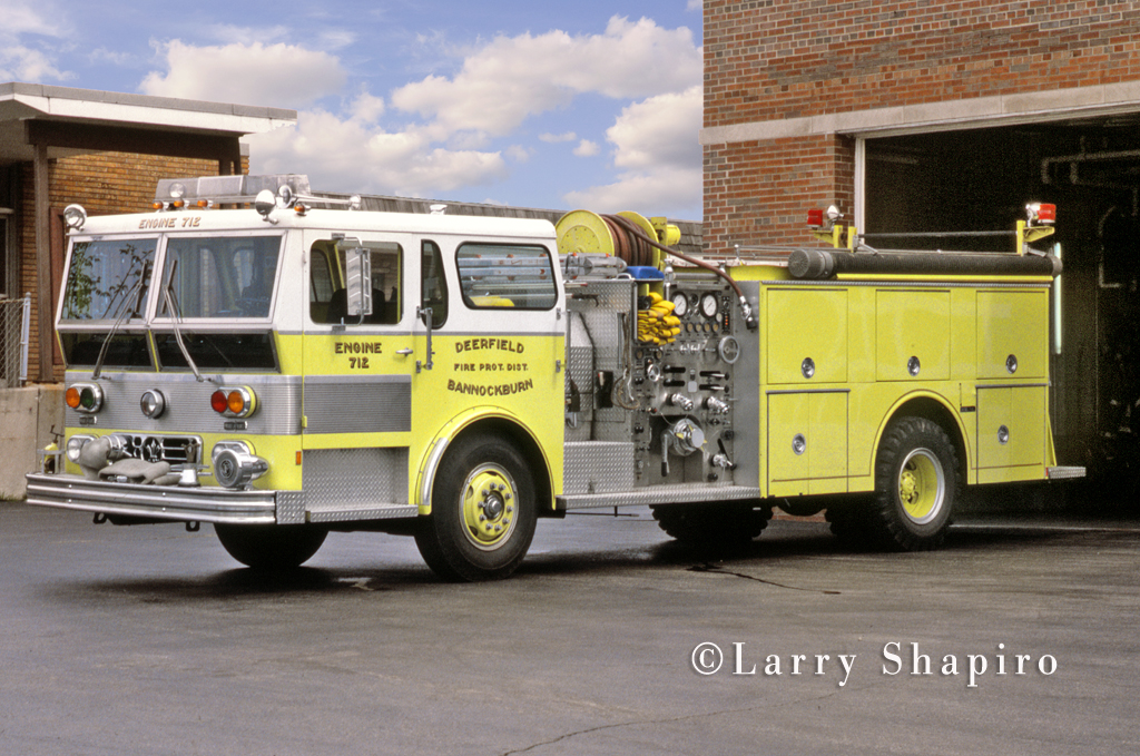 Deerfield-Bannockburn Fire Department 1977 Ward LaFrance Ambassador engine