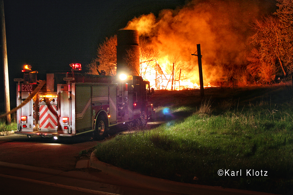 barn fire in Tinley Park on 191st Street 4-3-12
