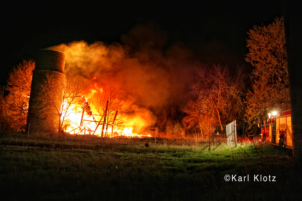 barn fire in Tinley Park on 191st Street 4-3-12