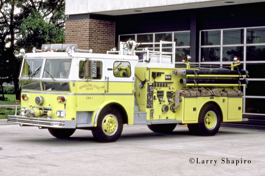 Wheeling Fire Department Ward LaFrance P80 Ambassador engine