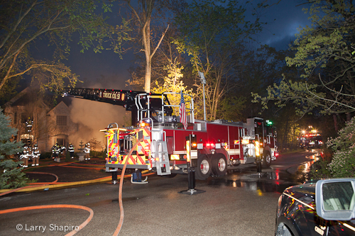 Riverwoods house fire on Hiawatha 5-1-12 basement fire Lincolnshire-Riverwoods FPD Pierce aerial ladder