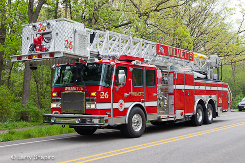 Wilmette Fire Department Tower Ladder 26