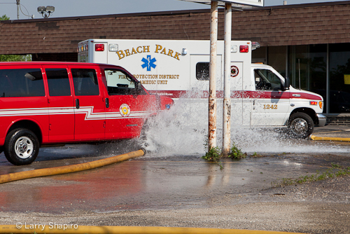 Beach Park commercial fire 5-20-12 large diameter hose fails