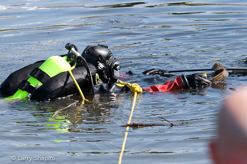 Countryside FPD crash sends car into pond in Vernon Hills 5-21-12 fire department divers