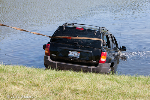 Countryside FPD crash sends car into pond in Vernon Hills 5-21-12