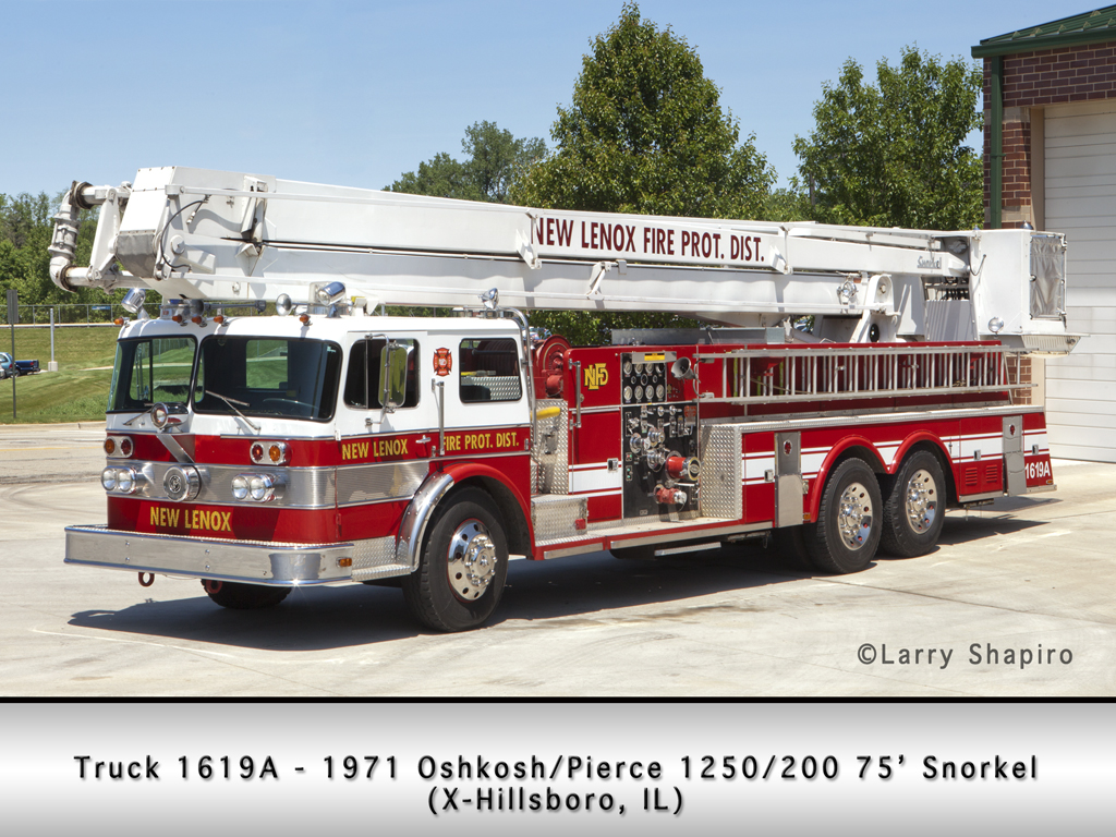 New Lenox FPD 1971 Oshkosh Pierce Snorkel