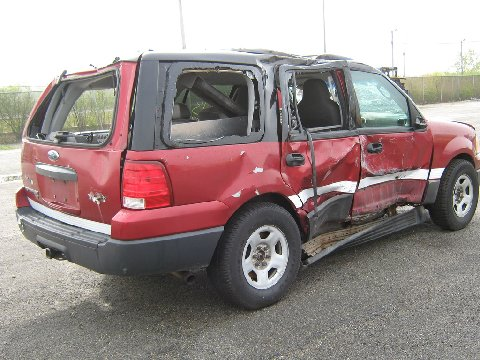 2006 Ford Expedition involved in rollover accident