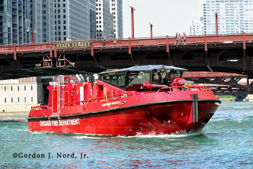Chicago Fire Department cools hot bridges in Chicago