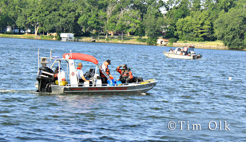 divers search for drowned man in Grayslake