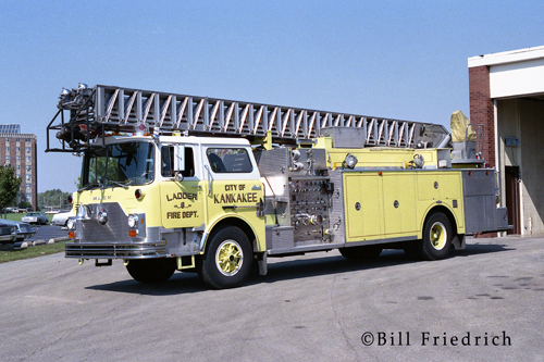 Kankakee Fire Department Mack CF Pirsch ladder