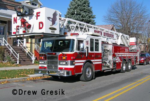 North Riverside Fire Department tower ladder 806