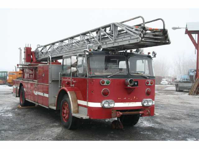 old Chicago Seagrave ladder truck