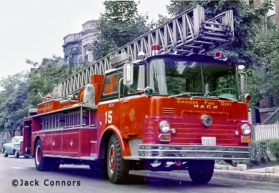 Chicago Fire Department 1968 Mack CF Pirsch aerial ladder Chicago Truck 15