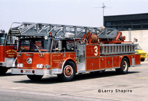 Chicago Fire Department Truck 63 Seagrave with a booster tank