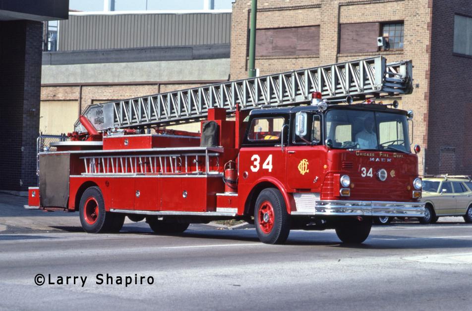Chicago Fire Department 1968 Mack CF Pirsch aerial ladder Chicago Truck 34