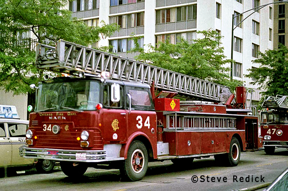 Chicago Fire Department Truck 34 1968 Mack CF Pirsch