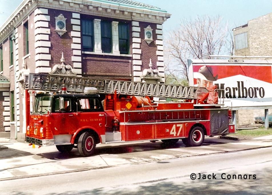 Chicago Fire Department 1968 Mack CF Pirsch aerial ladder Chicago Truck 47