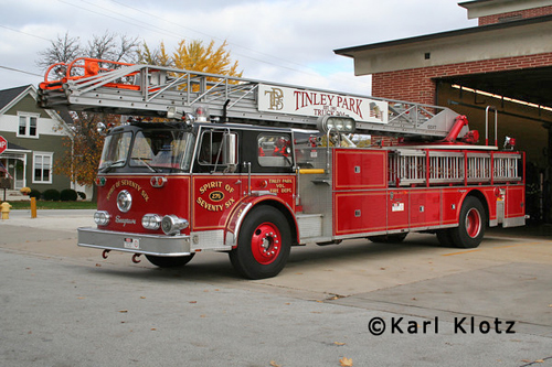 Tinley Park Fire Department 1976 Seagrave aerial ladder