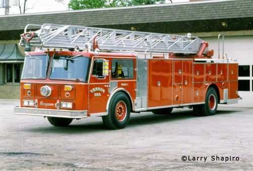 Vernon Township Fire Protection District 1981 Seagrave WB truck