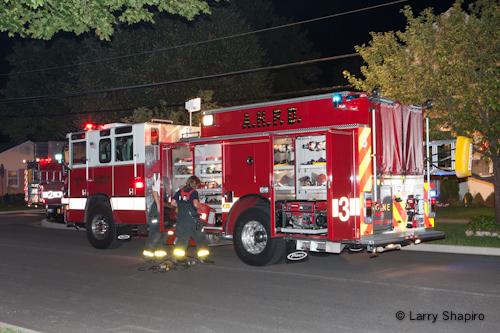 Arlington Heights Fire Department fire on Walnut Avenue 8-21-12 Pierce Quantum engine