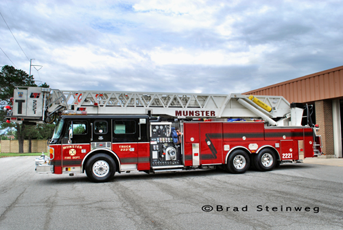 Munster Fire Department Truck 2221