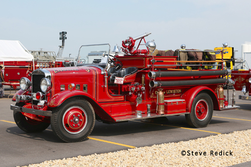 Chicagoland Emergency Vehicle Show antique fire engine