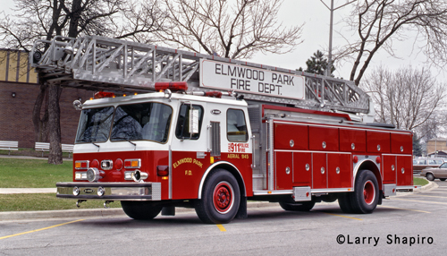 Elmwood park (IL) Fire Department Truck 945