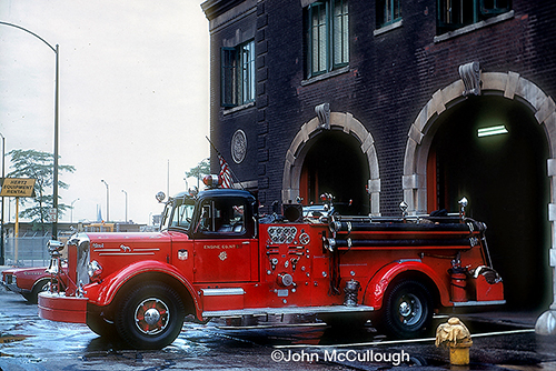 Chicago Engine 5 at quarters.