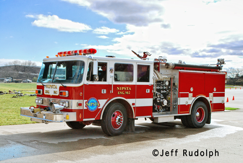 NIPSTA Engine 2 Deerfield Bannockburn Fire Protection District