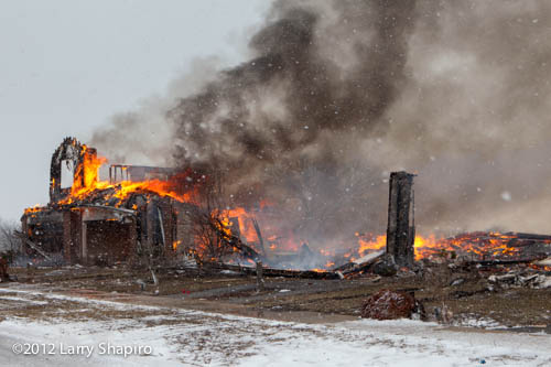 fire destroys town homes