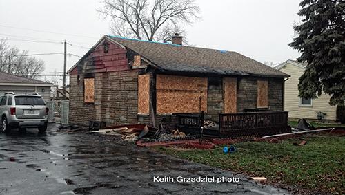 house fire in Bridgeview IL 12-2-12