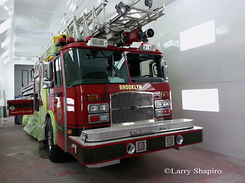 Brooklyn Park MD ladder truck 31