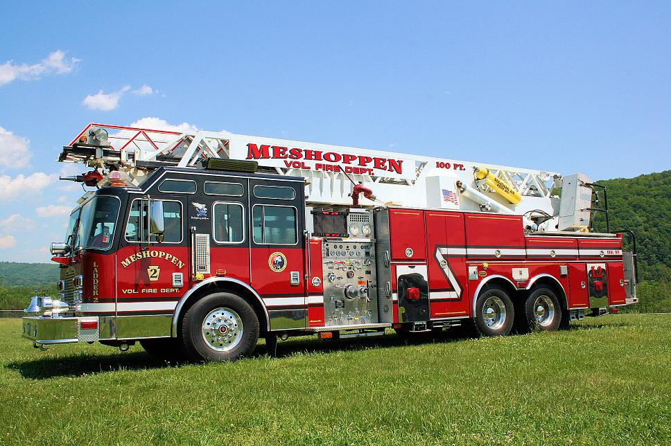 Meshoppen ladder truck from Frankfort IL