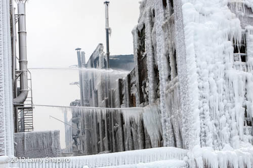 building covered with ice after warehouse fire in Chicago