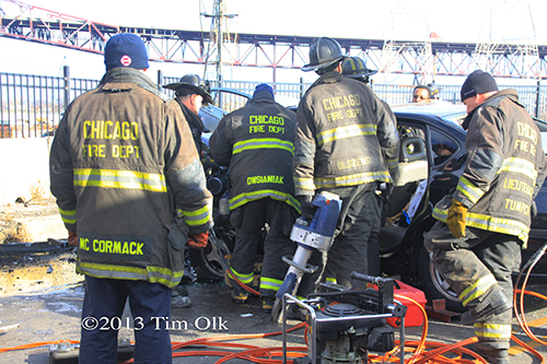 fatal car crash in Chicago at 3300 E. 100th Street on New Year's Day
