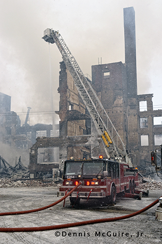Chicago Tower Ladder at fire sene