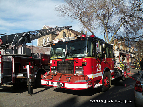 Chicago Engine 29 at fire scene