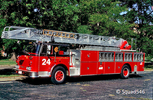 Chicago Truck 24 Seagrave rear-mount aerial