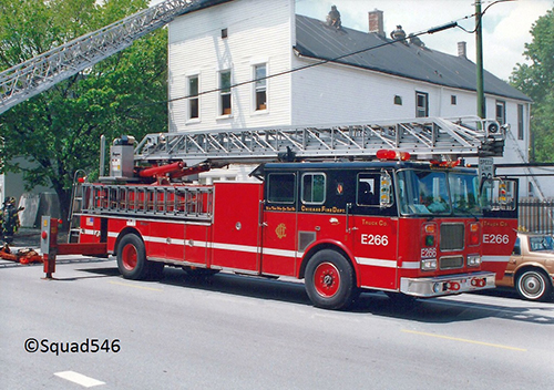 Chicago FD ladder truck Seagrave