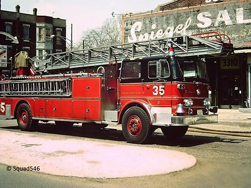 Chicago FD Truck 35 FWD Seagrave aerial