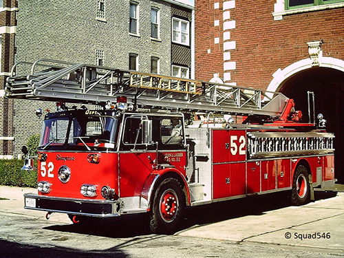 Chicago FD Truck 52 Seagrave aerial