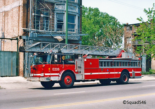Chicago FD Seagrave ladder truck