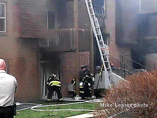apartment building fire in East Joliet FPD