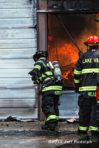 large garage burns in Lake Villa