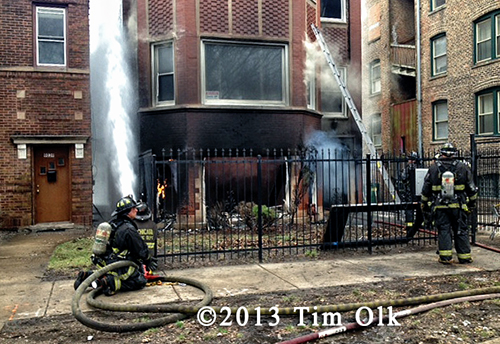 4 Chicago firefighters injured at fire