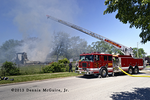 suburban Chicago fire departments train with vacant house
