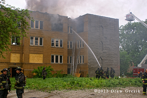 apartment building fire in Chicago
