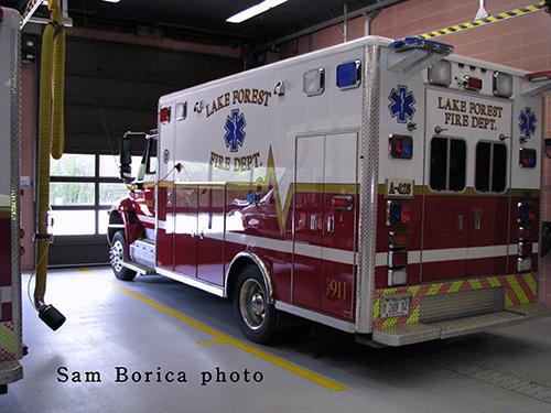 Lake Forest Ambulance 425